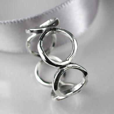 pom circle ring