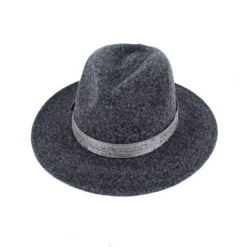 pom g hat