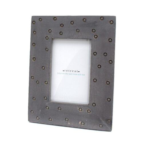 wooden-spotty-photo-frame-grey-6×4-23042497-1600