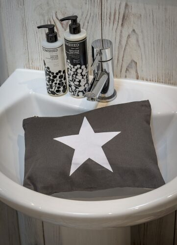pouch-bag-linen-large-star-grey-retreat-home-3022414-600